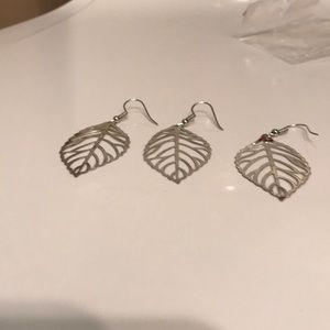🌷NEW🌷 Leaf Shaped Earrings